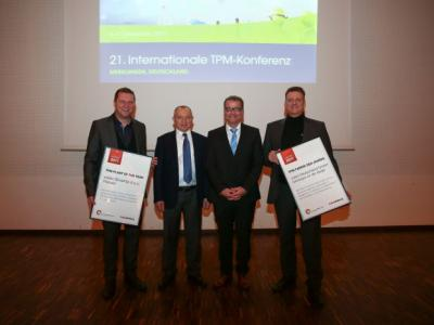 The winners of the national and international TPM Awards with the management.