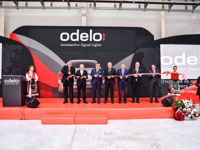 odelo opening ribbon is cut through - F.l.t.r. Boyko Borisov (Prime Minister of Bulgaria), Ahmet Bayraktar (Chairman of the executive board of odelo Group), Dr. Hasan Ulusoy (Ambassador of Turkey in Bulgaria), Tomislav Donchev (Deputy Prime Minister), Fevzi Bayraktar (Member of the Board of odelo Group), Muhammet Yildiz (CEO of odelo Group), Mursel Gulen (COO of odelo Group);