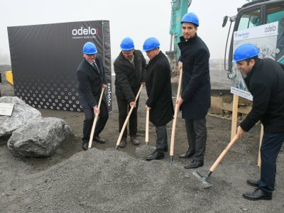Laying the foundation stone in Črešnjevci - F.l.t.r. Muhammet Yildiz (CEO odelo Group), Stanislav Rojko (Mayor of Gornja Radgona), Ahmet Bayraktar (Chairman of the Executive Board odelo Group), Borut Kocbek (Country Manager odelo Slovenija) and Mürsel Gülen (COO odelo Group);